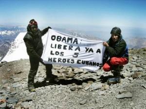 Argentinische Aktivisten auf dem mit 6962 m höchsten Berg Amerikas, dem Aconcagua